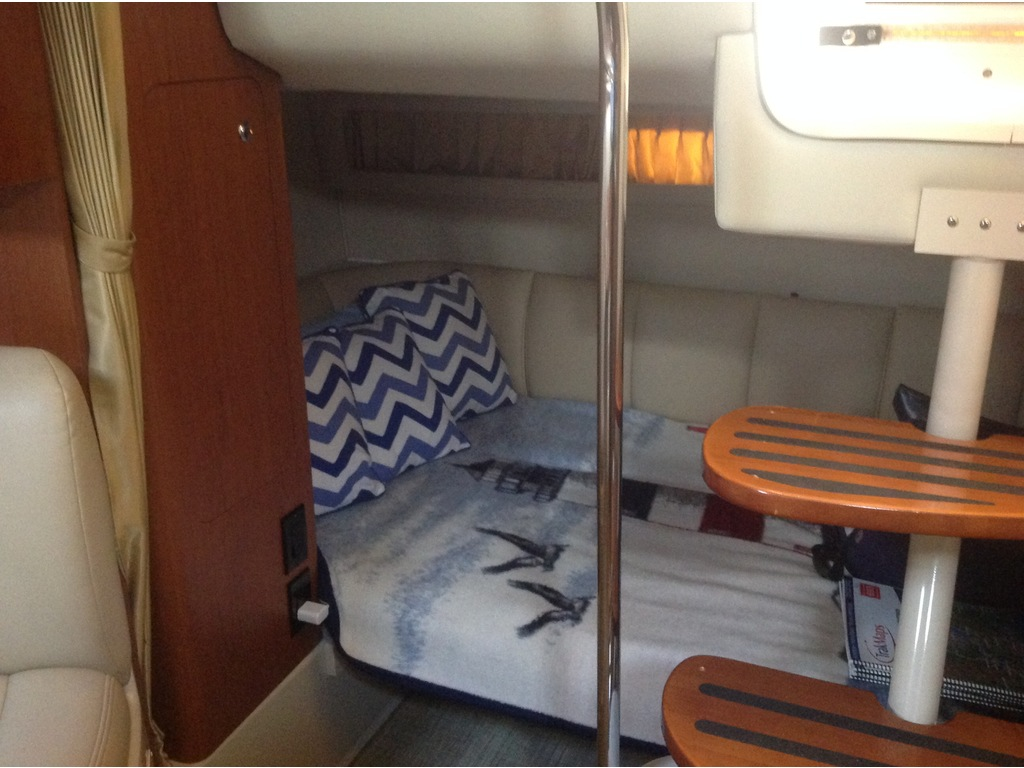 2004 Chaparral boat for sale, model of the boat is Signature 310 & Image # 12 of 16