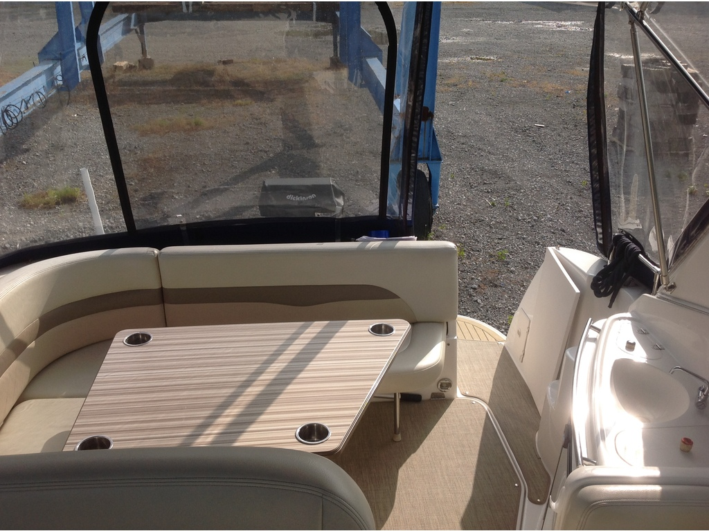 2004 Chaparral boat for sale, model of the boat is Signature 310 & Image # 9 of 16