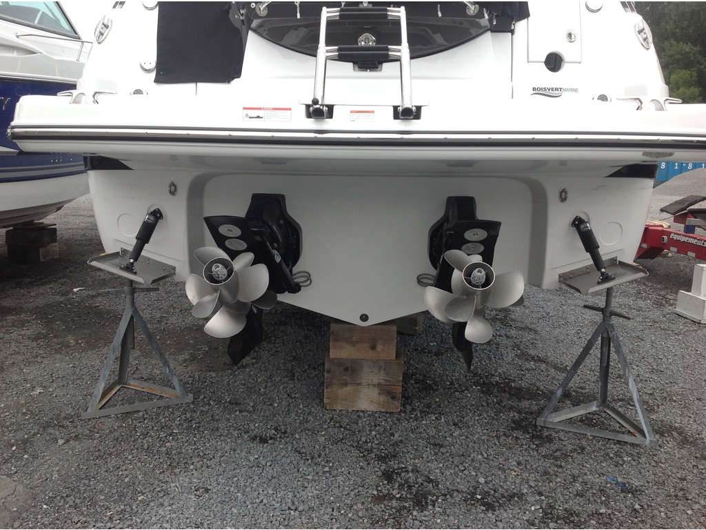 2020 Monterey boat for sale, model of the boat is 335sy & Image # 4 of 25