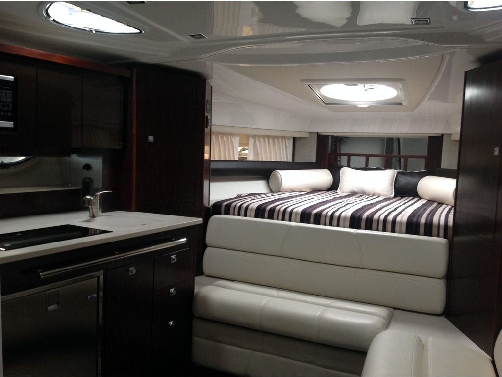 2020 Monterey boat for sale, model of the boat is 335sy & Image # 15 of 25