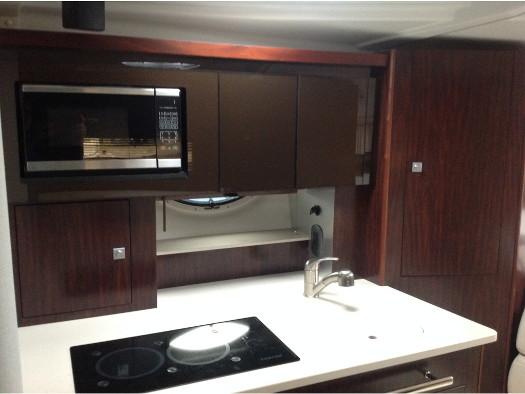 2020 Monterey boat for sale, model of the boat is 335sy & Image # 17 of 25