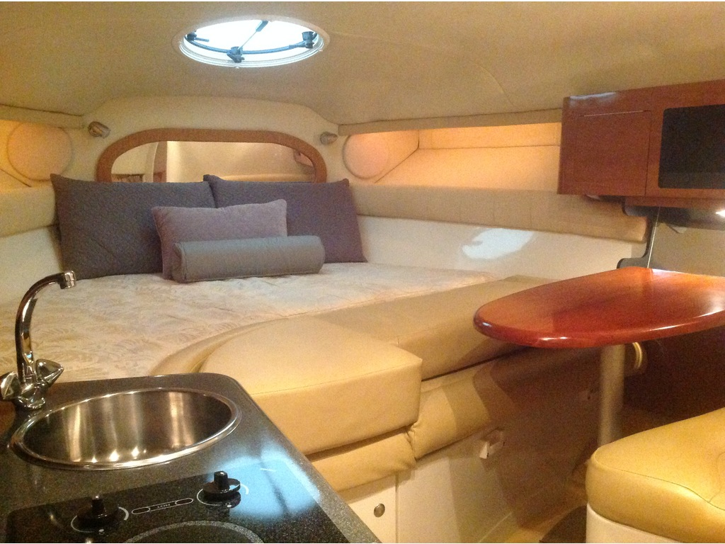 2006 Monterey boat for sale, model of the boat is 282 & Image # 13 of 23