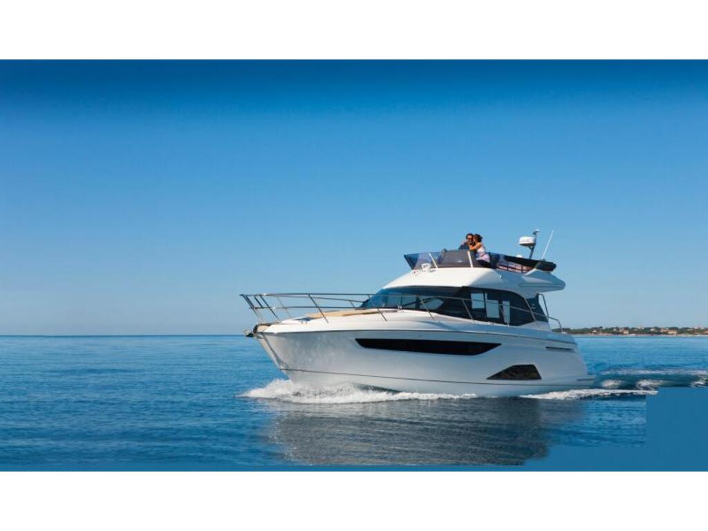 2021 Bavaria boat for sale, model of the boat is R40 Fly D6 370 Evc Volvo & Image # 1 of 4