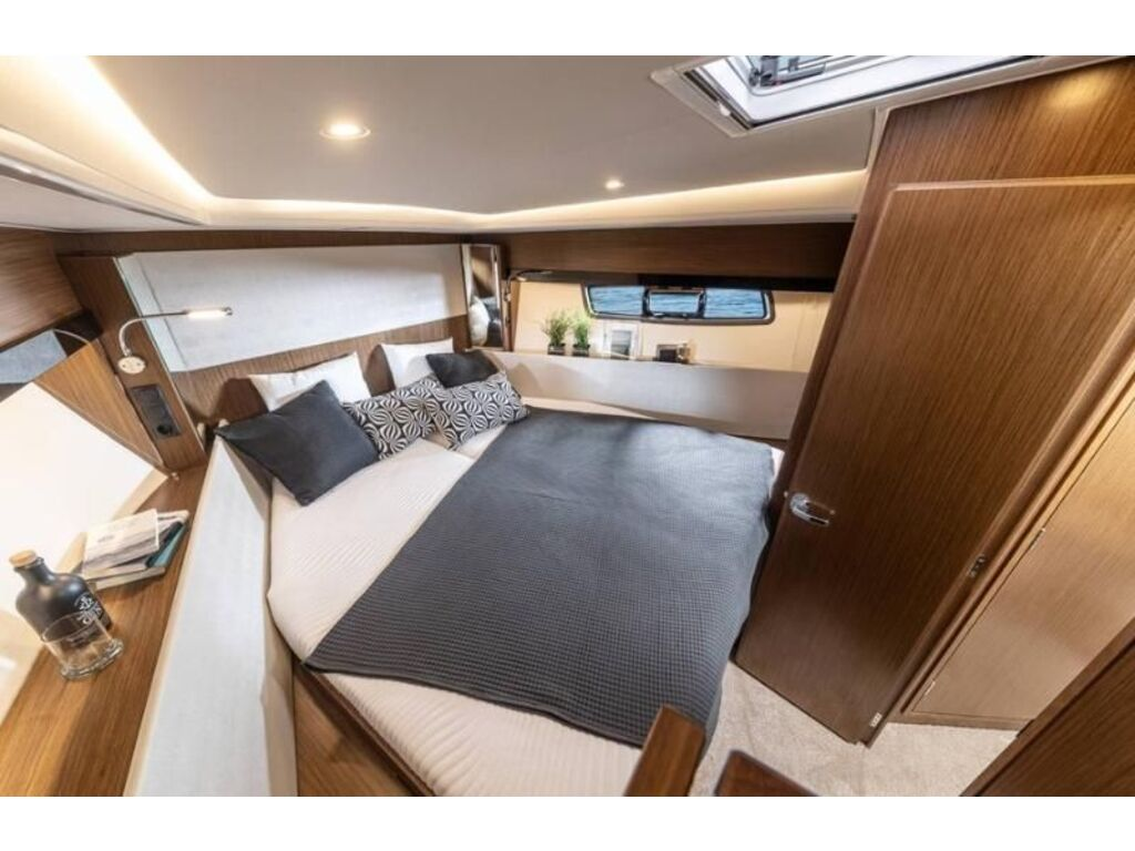 2022 Bavaria boat for sale, model of the boat is Sr41 Coupe Volvo D6-380 Evc2 & Image # 2 of 3