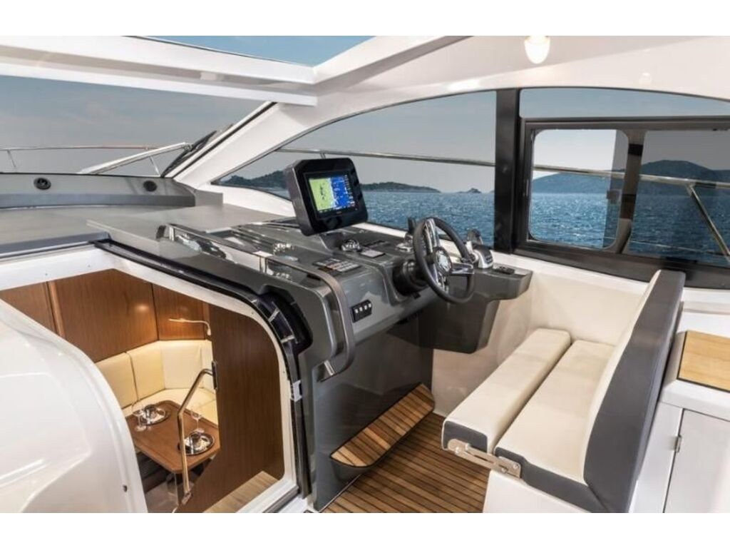 2022 Bavaria boat for sale, model of the boat is Sr41 Coupe Volvo D6-380 Evc2 & Image # 1 of 3