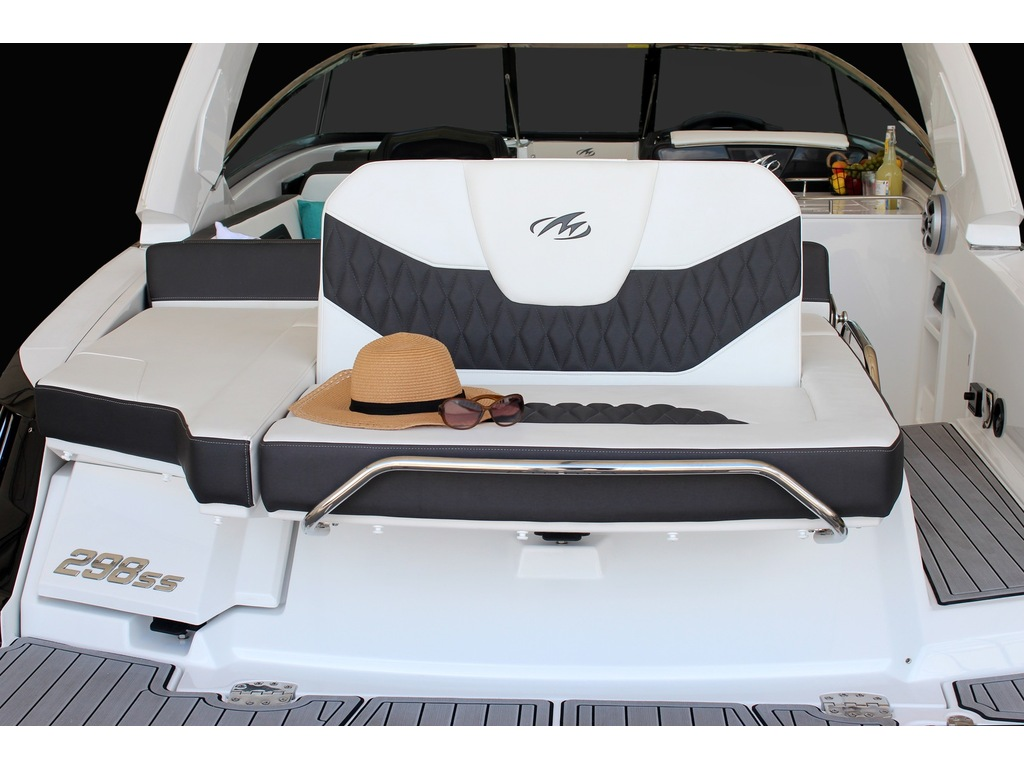 2022 Monterey boat for sale, model of the boat is 298ss & Image # 3 of 4