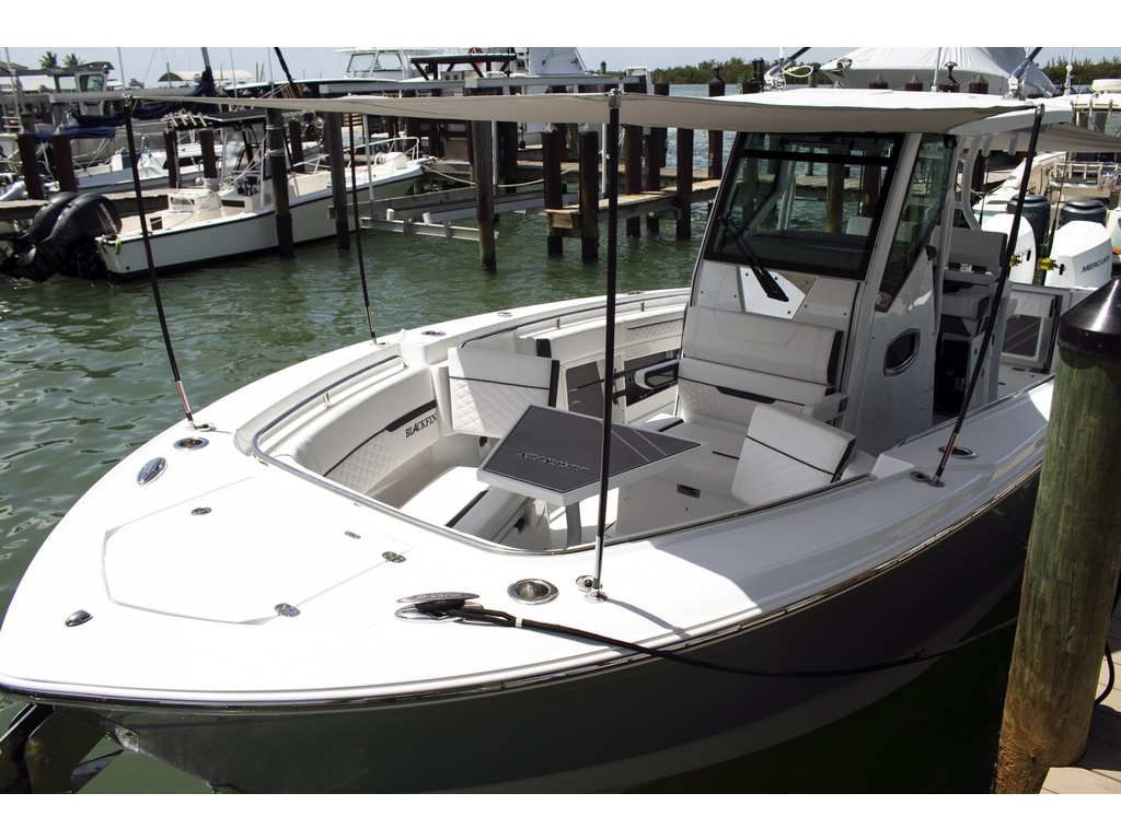 2021 Blackfin boat for sale, model of the boat is 302 Cc & Image # 5 of 12
