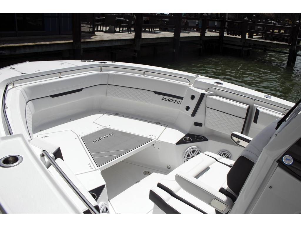 2021 Blackfin boat for sale, model of the boat is 302 Cc & Image # 6 of 12