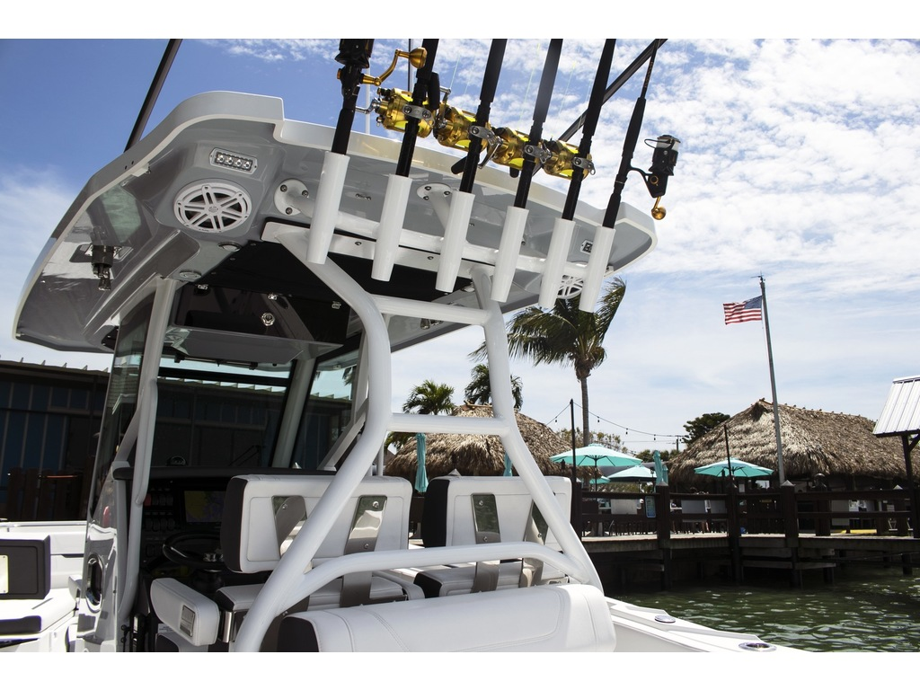 2021 Blackfin boat for sale, model of the boat is 302 Cc & Image # 7 of 12