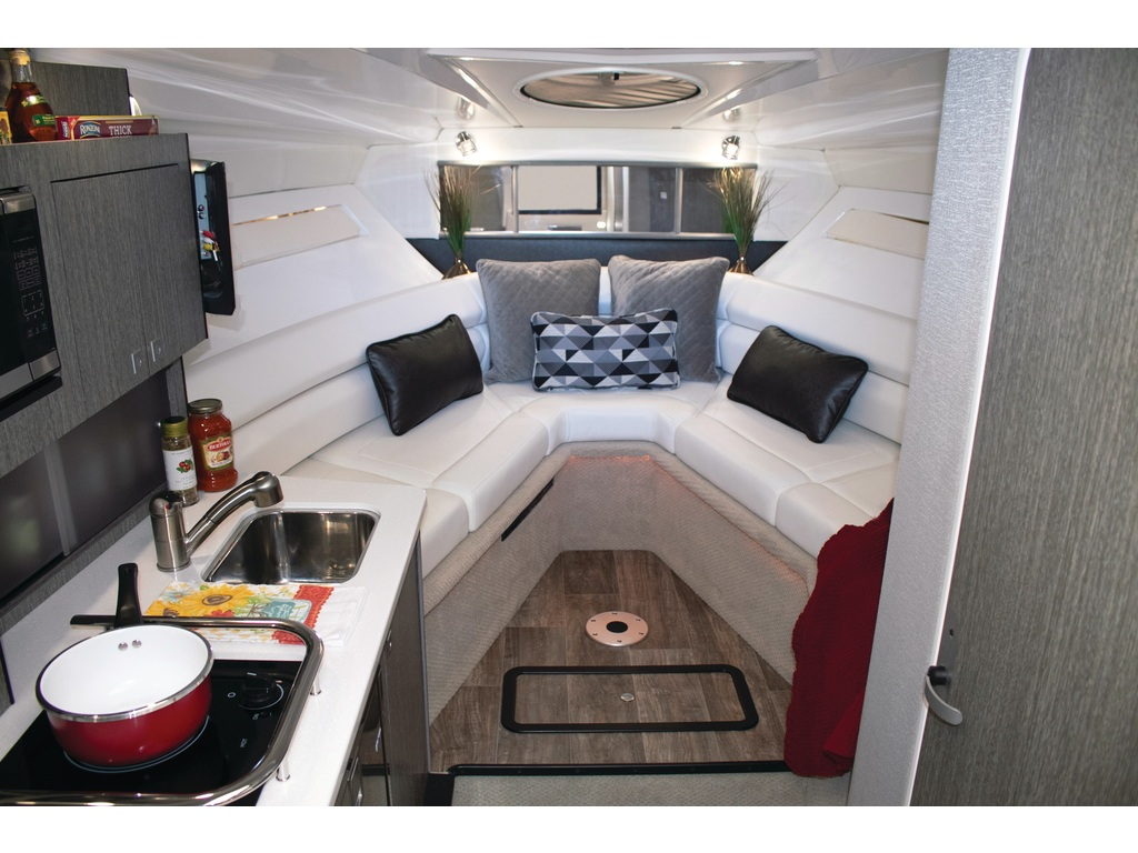 2021 Monterey boat for sale, model of the boat is 295 Sy (artic Ice/onyx) & Image # 3 of 4
