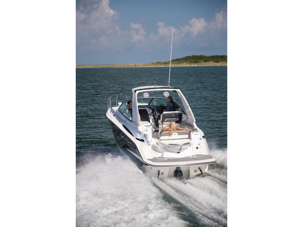 2021 Monterey boat for sale, model of the boat is 295 Sy (artic Ice/onyx) & Image # 4 of 4