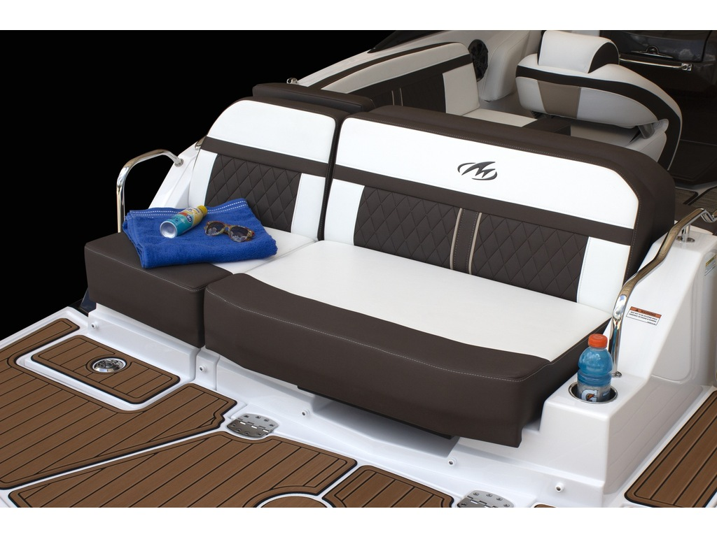 2022 Monterey boat for sale, model of the boat is M4  & Image # 5 of 7