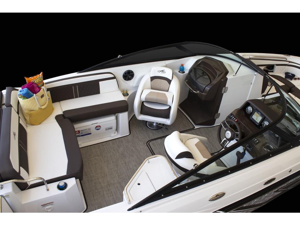 2022 Monterey boat for sale, model of the boat is M4  & Image # 4 of 7