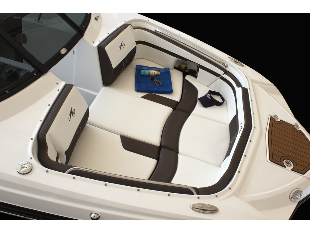 2022 Monterey boat for sale, model of the boat is M4  & Image # 3 of 6