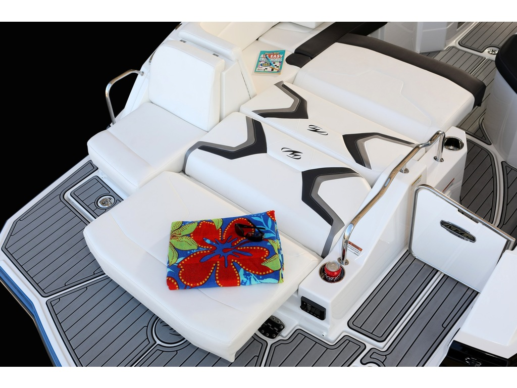 2022 Monterey boat for sale, model of the boat is M6  & Image # 4 of 4