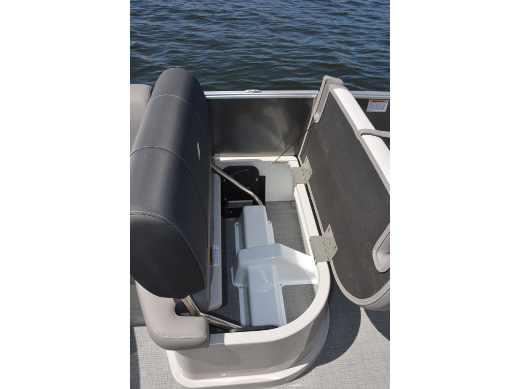 2022 Starcraft boat for sale, model of the boat is Mx 23 Q  & Image # 6 of 8