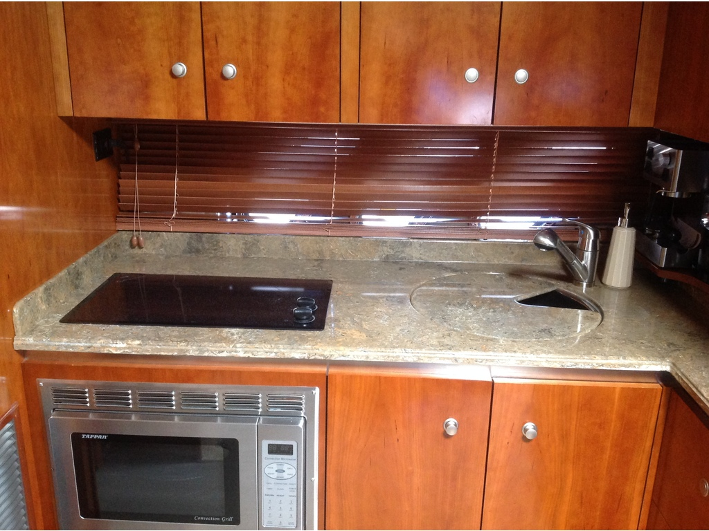 2008 Cruisers Yachts boat for sale, model of the boat is 460 Express Hard Top & Image # 17 of 20
