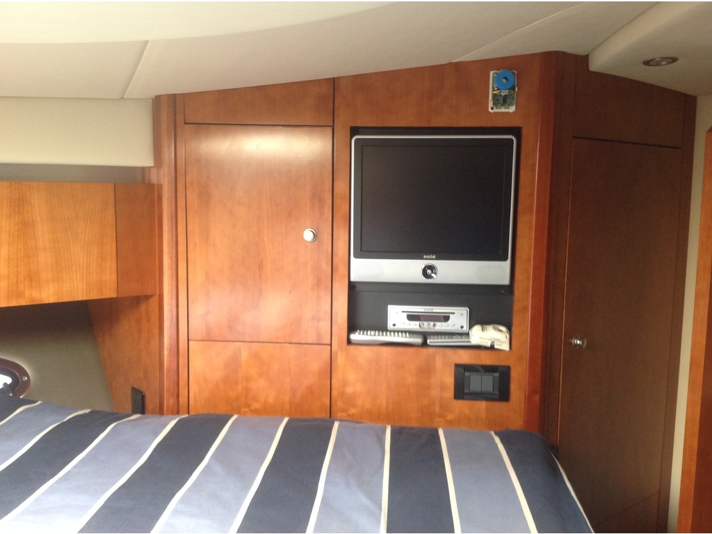 2008 Cruisers Yachts boat for sale, model of the boat is 460 Express Hard Top & Image # 18 of 20