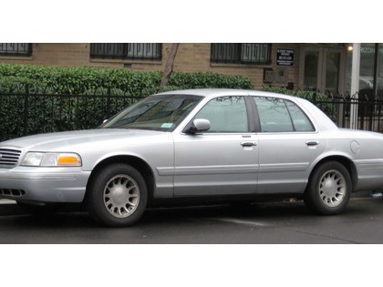 Car 2005 Ford Crown Victoria 4dr Sdn Lx In Prince George Bc 2 600