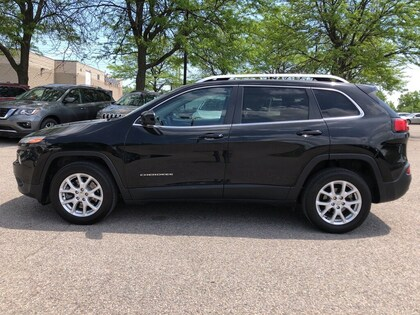 used 2017 Jeep Cherokee car, priced at $20,999