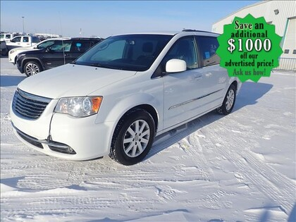used 2015 Chrysler Town & Country car, priced at $15,993