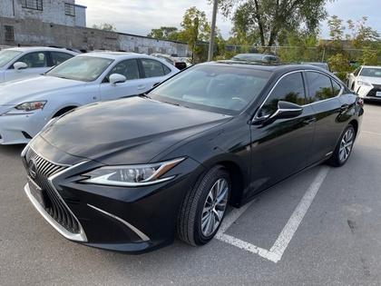 used 2019 Lexus ES 300h car, priced at $51,995